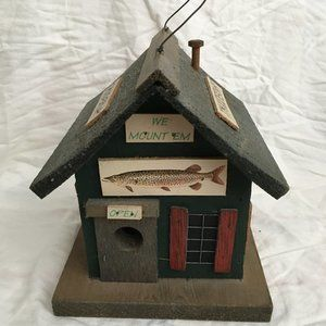 VTG Taxidermy Bird House